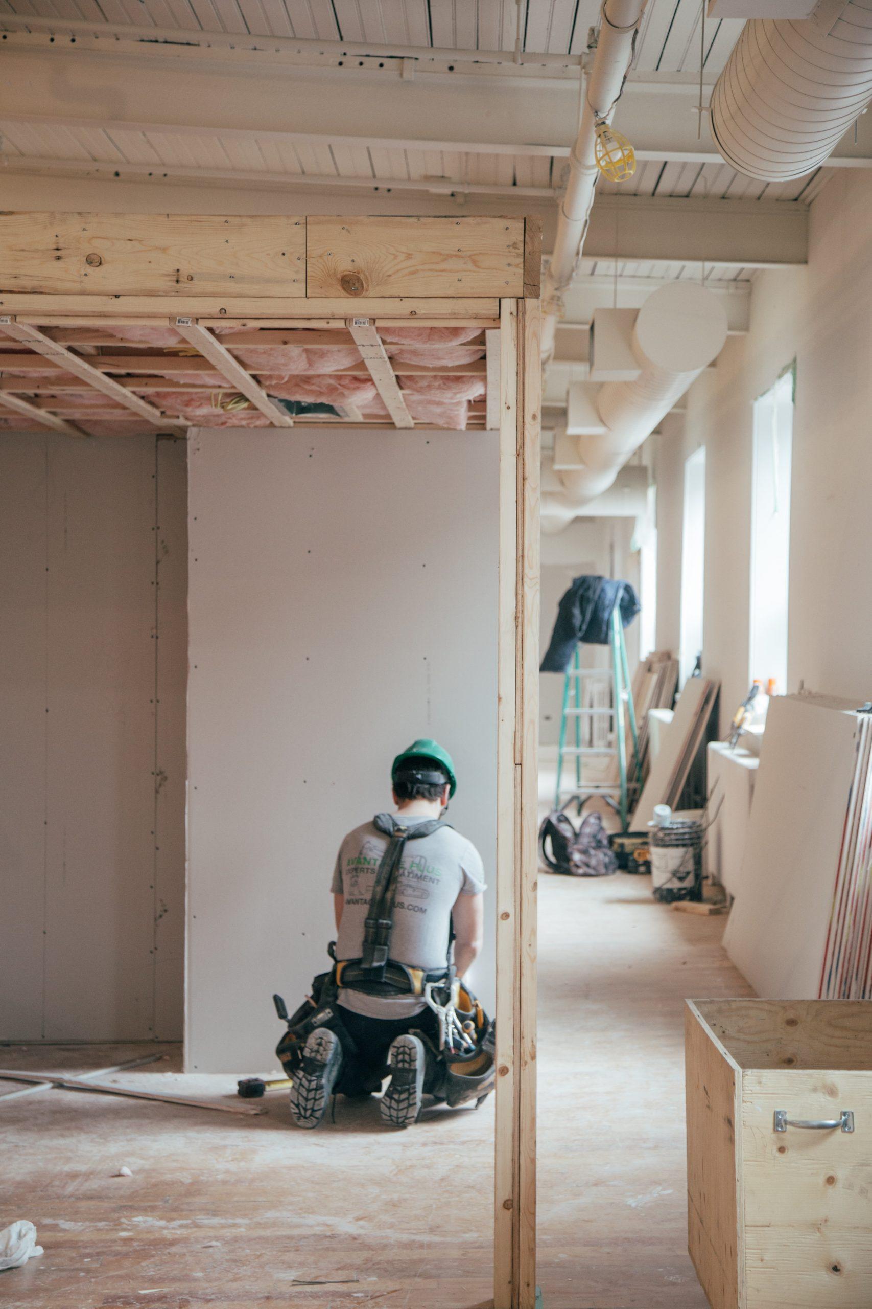 Gładź gipsowa – równe ściany i estetyczne wykończenie
