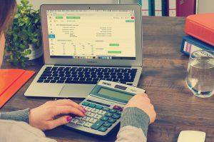 Biuro rachunkowe - ile za pracownika?